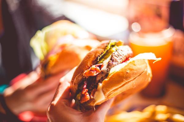 contratación-imprudente-fast-food-rrhh
